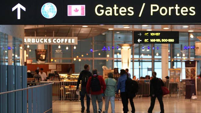 A group of Toronto celebrity chefs will help create more than a dozen new dining spots in terminals 1 and 3 at Pearson International Airport.