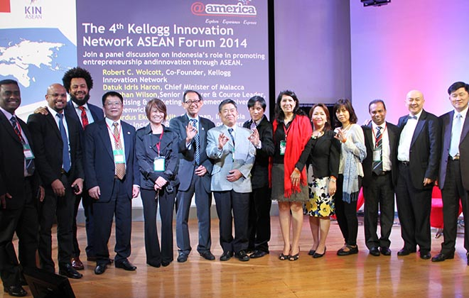 Indonesia: Experts in Innovation and Marketing Speak to 5,000 in Indonesia