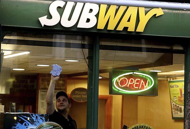 UK: Subway denies 'switch' to halal meats